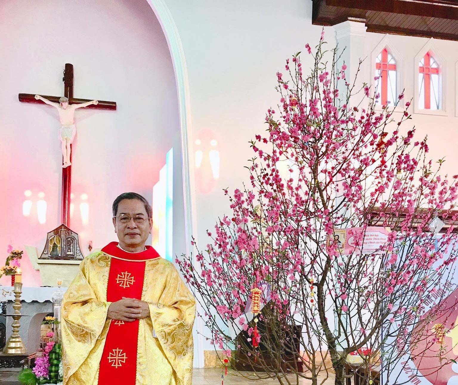 Cố linh mục: Phao Lô Phạm Tá qua đời.