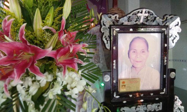 Mệ : A nê Hồ Thị Xuy qua đời .