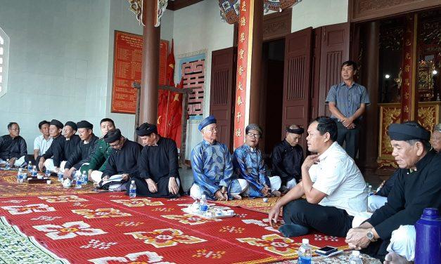 Hội đồng làng họp thông qua lễ hội cầu ngư, đua thuyền truyền thống lần thứ 125